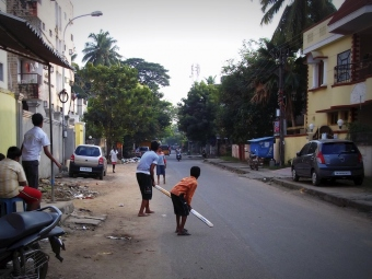 Street Cricket | Kids Playing cricket in the street